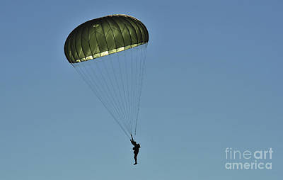 Outpost Photograph - A U.s. Army Paratrooper Participates by Stocktrek Images
