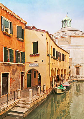 Terra Cotta Photograph - A Venetian View - Sotoportego De Le Colonete - Italy by Brooke T Ryan