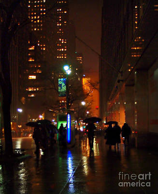 Photograph - A Walk In The Rain - New York City by Miriam Danar