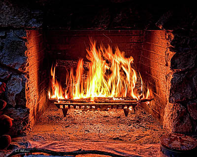 Photograph - A Warm Hearth by Christopher Holmes