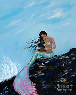 Painting - A Well Read Mermaid by Leslie Allen