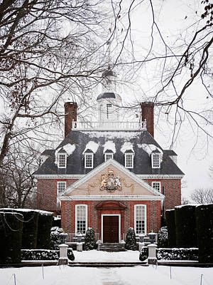 Historic Snowy Mansion Photograph - A Williamsburg Winter's Snow by Rachel Morrison