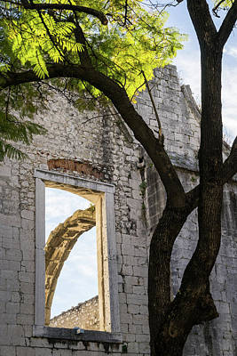 Photograph - A Window Into The Past - Carmo Convent Roofless Ruin In Lisbon Portugal by Georgia Mizuleva