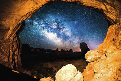 Photograph - A Window To The Universe by Robert Loe