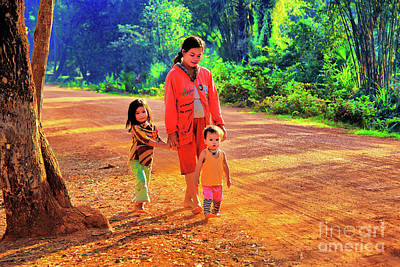 Photograph - A Young Family by Rick Bragan