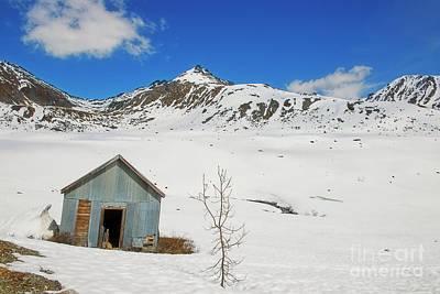 Photograph - Abandon Building Alaskan Mountains by David Arment