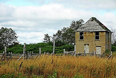 Photograph - Abandoned At Ten Mile Point by Debbie Oppermann