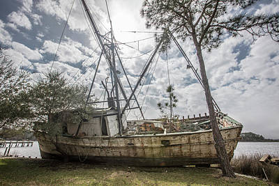 Photograph - Abandoned Boat by John McGraw