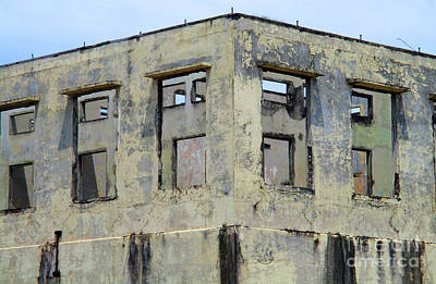 Photograph - Abandoned Building Puntarenas 1 by Randall Weidner