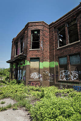 Vandalize Photograph - Abandoned Building With Graffiti by Kim Hojnacki