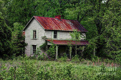 Photograph - Abandoned Farm House by Paul Mashburn