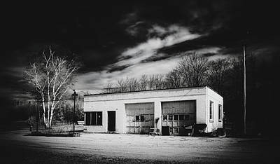 Photograph - Abandoned Gas Station by Library Of Congress