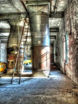 Photograph - Abandoned Grain Silo by Darleen Stry