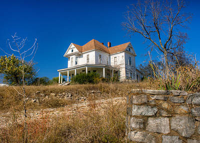 House On The Hill Photograph - Abandoned Home In Imbodan by Douglas Barnett