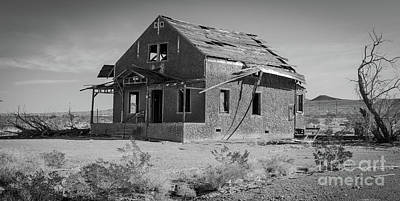 Photograph - Abandoned Home Route 66 by Jeffrey Hubbard