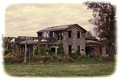 Photograph - Abandoned Home, Upstate New York by Gerald Salamone