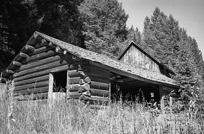 Log Cabins Photograph - Abandoned Homestead by Richard Rizzo
