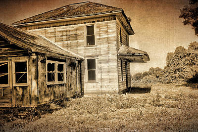 Photograph - Abandoned House by Bonnie Bruno