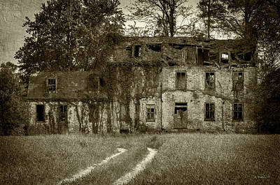 Photograph - Abandoned House - Sudlersville by Brian Wallace
