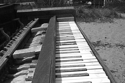 Photograph - Abandoned Piano by Mike McCool