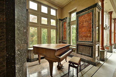 Abandoned Houses Photograph - Abandoned Piano - Urban Exploration by Dirk Ercken