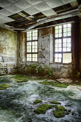 Haunted House Photograph - Abandoned Room - Urban Decay by Dirk Ercken