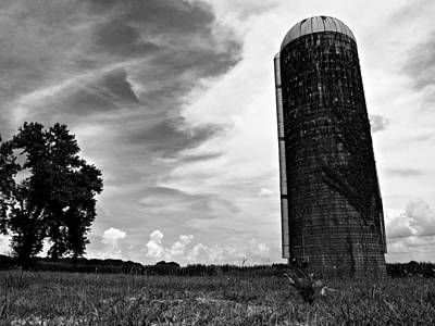 Photograph - Abandoned Silo by Jeff Montgomery