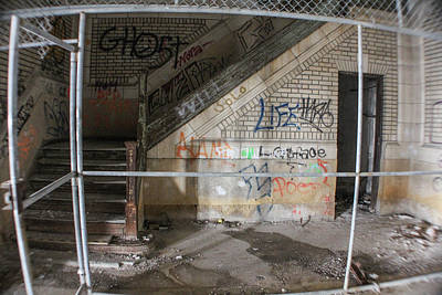 Detroit Abandoned Buildings Photograph - Abandoned Stairwell And Cage by John McGraw