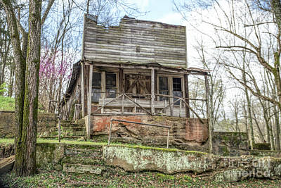 Photograph - Abandoned Store by Lynn Sprowl