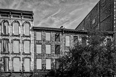Photograph - Abandoned Structure Downtown Louisville Kentucky  -  Loukymsbw11 by Frank J Benz