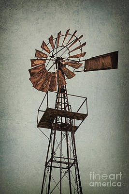 Old Fashioned Water Pump Photograph - Abandoned To The Wind by Richard Thomas