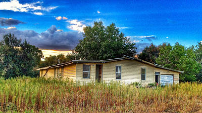Photograph - Abandoned Yellow House by Dan Miller