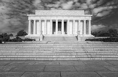 Photograph - Abraham Lincoln Memorial Bw by Susan Candelario