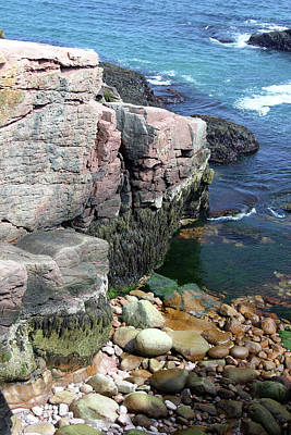 Photograph - Acadia Shoreline With Large Boulders by Mary Bedy