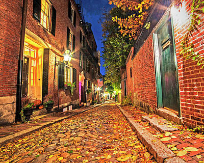 Photograph - Acorn Street Autumn Boston Mass Street Light by Toby McGuire