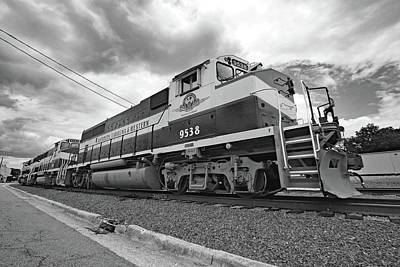 Photograph - Acwr Gp40-2lw #9538 B W 4 by Joseph C Hinson Photography