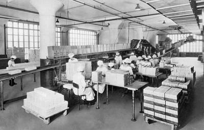 Factory Photograph - Adams Chewing Gum by Underwood Archives