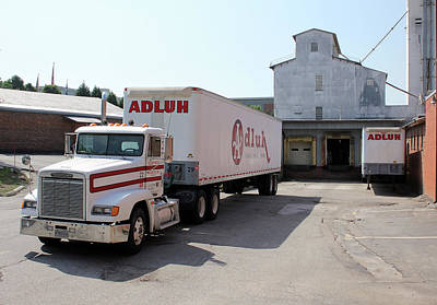 Photograph - Adluh Flour Big Rig by Joseph C Hinson Photography