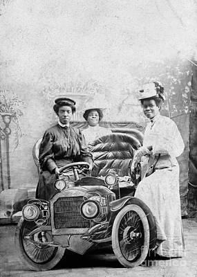 Photograph - African American Women. by Granger