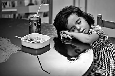 Documentary Photograph - After Dinner by Mohammadreza Momeni