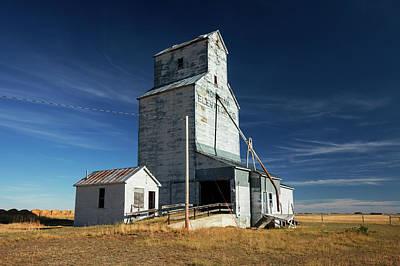 Grain Elevator Photograph - Agawam Elevator by Todd Klassy