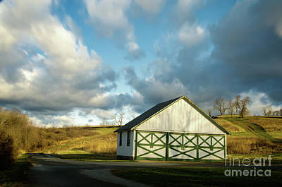 Aging Barn In The Morning Sun Art Print