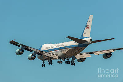 Photograph - Air Force One On Final Approach Into Charleston South Carolina by Dale Powell