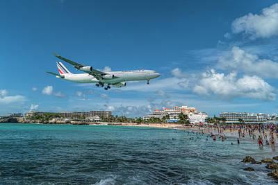 Bath Time - Air France A340 landing at St. Maarten Airport by David Gleeson
