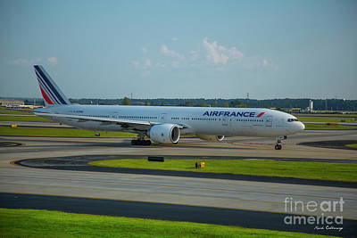 Photograph - Air France Boeing 777-328er F-gznh Departing Hartsfield-jackson Atlanta International Airport Art by Reid Callaway