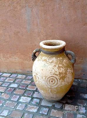 Photograph - Al Ain Urn by Barbara Von Pagel