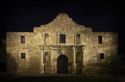 Mess Photograph - Alamo . . . . . . Remember by Daniel Hagerman