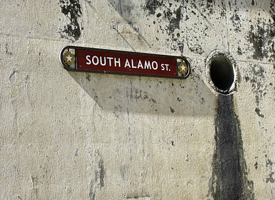 Photograph - Alamo Riverwalk Sign Large Edition by Tony Grider