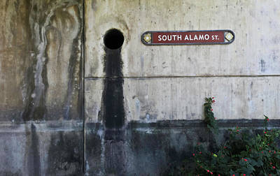 Photograph - Alamo Riverwalk Sign by Tony Grider