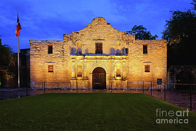 Photograph - Alamo by Roxie Crouch
